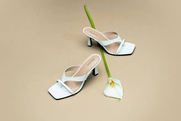 Sandália branca da Shoestock