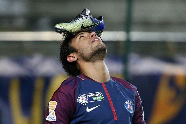 Neymar deve anunciar rescisão com Nike, sua patrocinadora desde os 13 anos