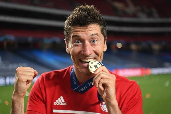 Lewandowski Medalha da Champions