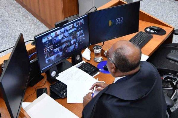 Primeira sessão da Corte Especial presidida pelo Ministro Humberto Martins