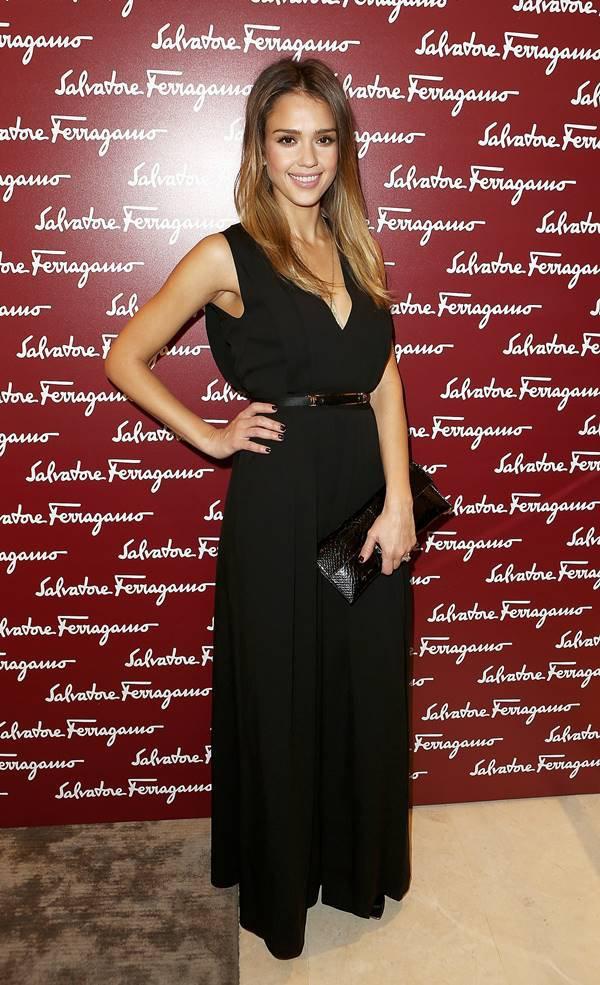 Atriz Jessica Alba em evento da grife Salvatore Ferragamo