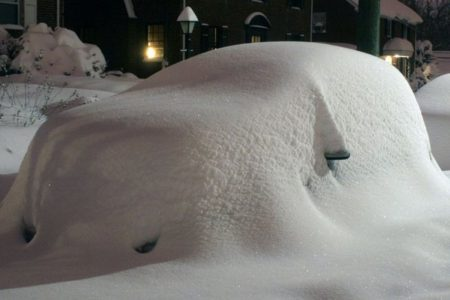 Homem passa 2 meses debaixo da neve