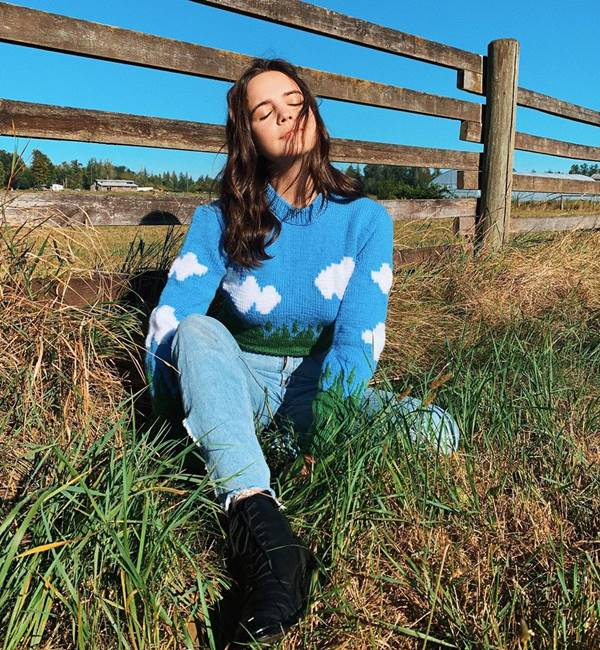 Cloud Sweater, da marca Lirika Matoshi