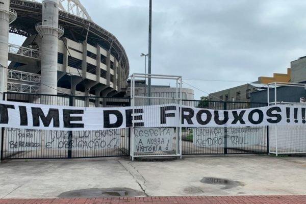 Protesto torcida do Botafogo