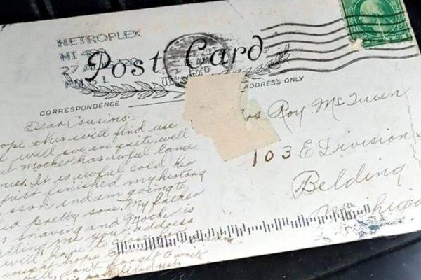 Mulher recebe carta misteriosa2