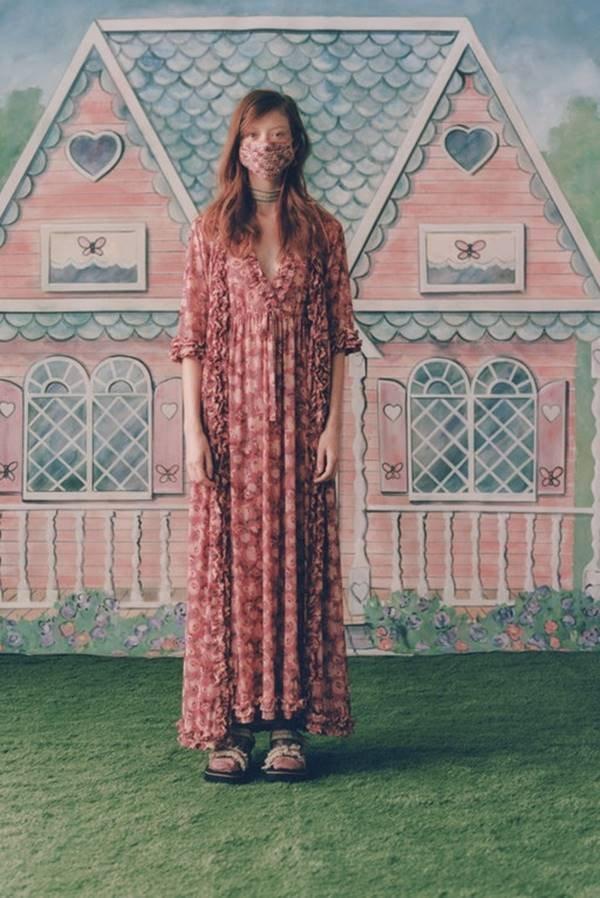 Look de primavera/verão 2021 da Anna Sui