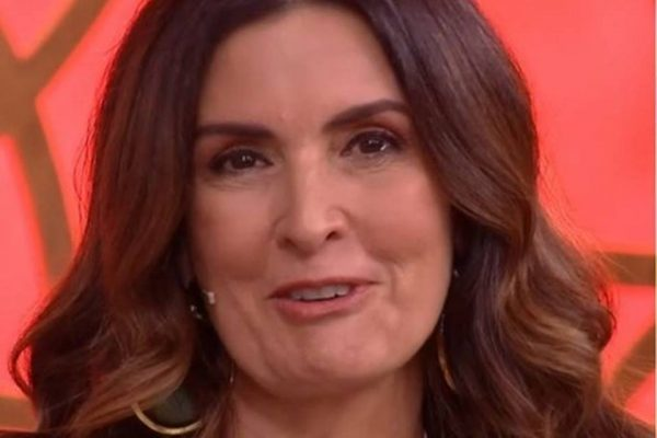 Fátima Bernardes chorando