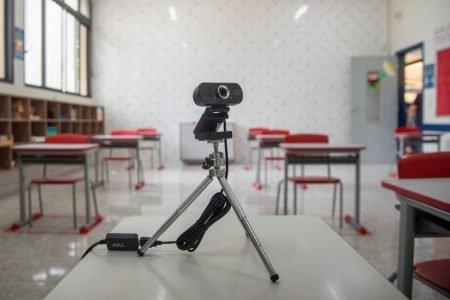 Escolas privadas voltam às aulas presenciais