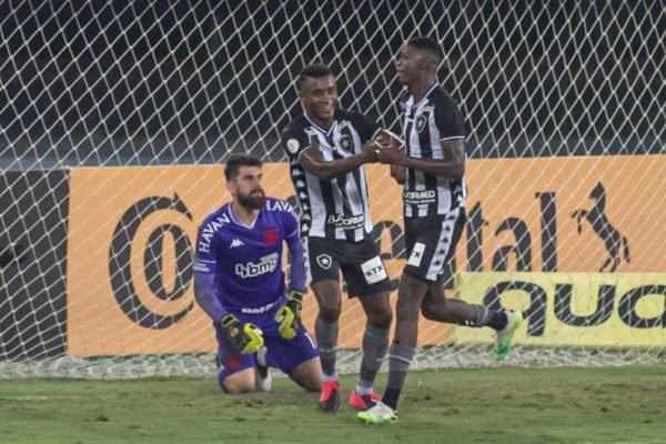 Babi marca para o Botafogo