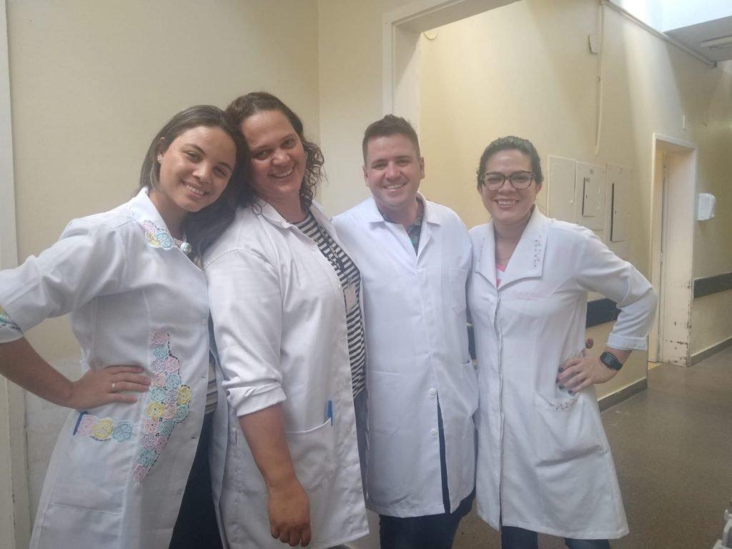 Chefe de enfermagem e equipe de Hran