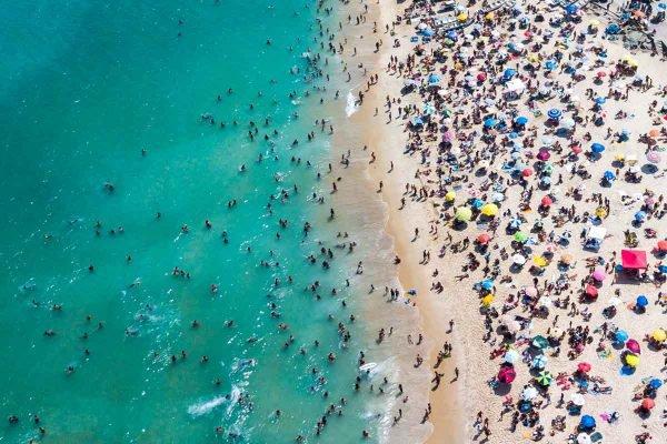 movimento nas praias do Rio RJ aglomeracao pandemia coronavirus