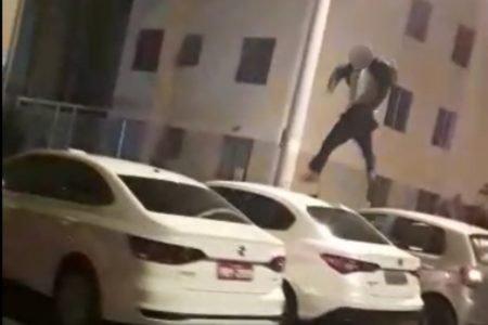 homem pulando