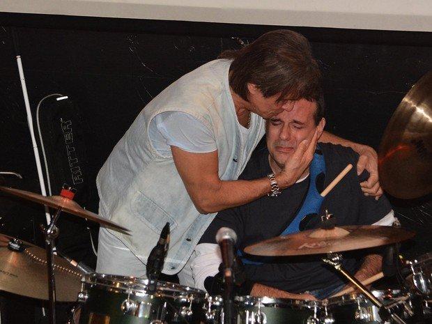 Filho de Roberto Carlos atualiza fãs sobre tratamento contra o novo câncer
