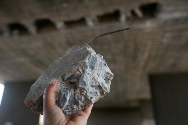 Placas de concreto caem do viaduto de acesso à Ponte Costa e Silva
