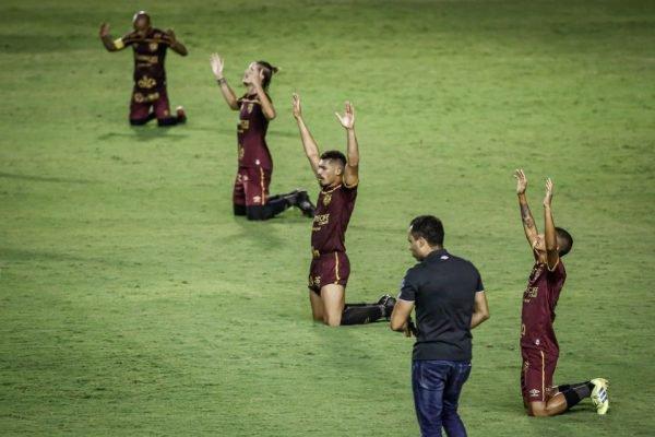 Sport vence o Corinthians