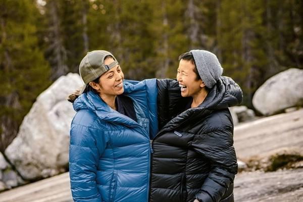 Mulheres com casacos da Patagonia