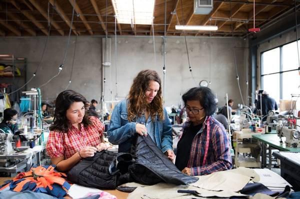Mulheres em fábrica da Patagonia