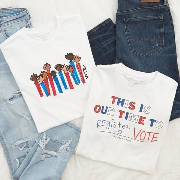 """Camisetas da American Eagle """"This is our time to"""""""