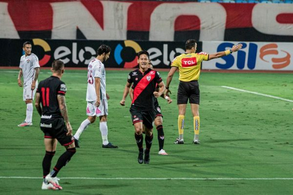 Atlético-GO elimina o Fluminense na Copa do Brasil