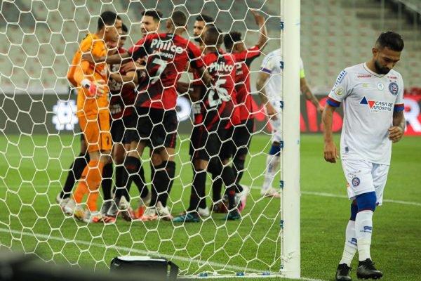 Athletico-PR Santos