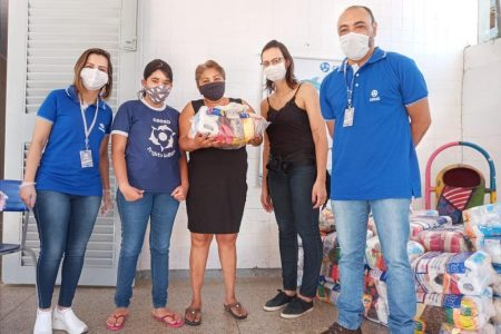 Caesb promove doações de cestas básicas e sabonetes