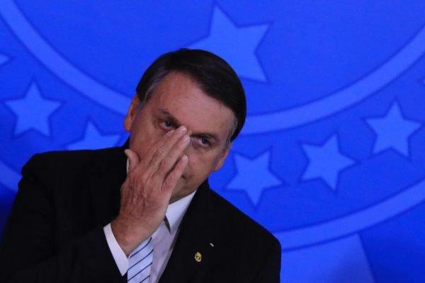 Bolsonaro sanciona maior pena, de até cinco anos, por maus-tratos a animais