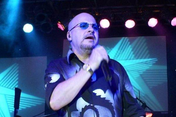 Paulinho, vocalista do Roupa Nova, morre aos 68 anos, vítima de Covid-19
