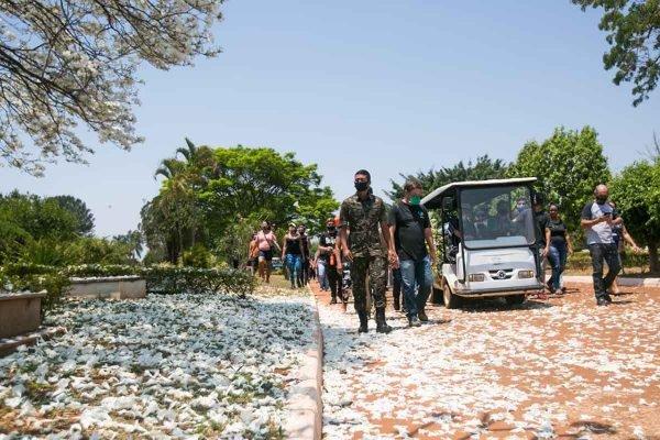 Enterro de Amauri Rodrigues, morto na Cachoeira 3 quedas, no Gama