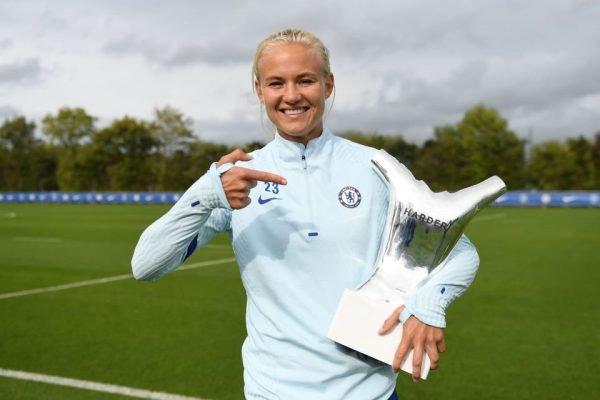 Conheça Pernille Harder, atacante do Chelsea e melhor jogadora da Europa