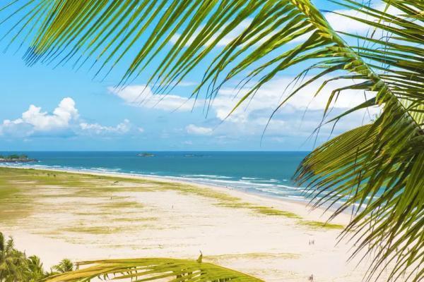 """Ilhéus (BA) possui espaços """"pé na areia"""" para todos os gostos e fica a 1.347 km de BsB"""