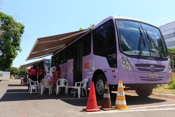 Outubro Rosa - ônibus adaptado