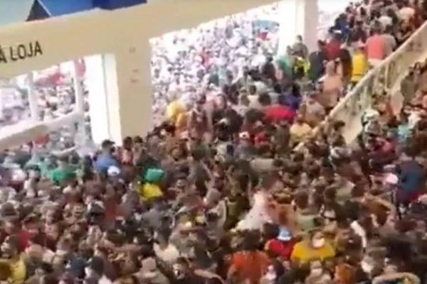 Aglomeração na loja da Havan em Belém, no Pará