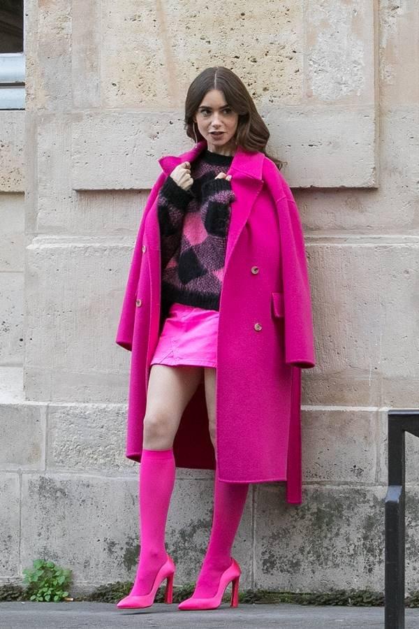 Lily Collins nas gravações de Emily in Paris