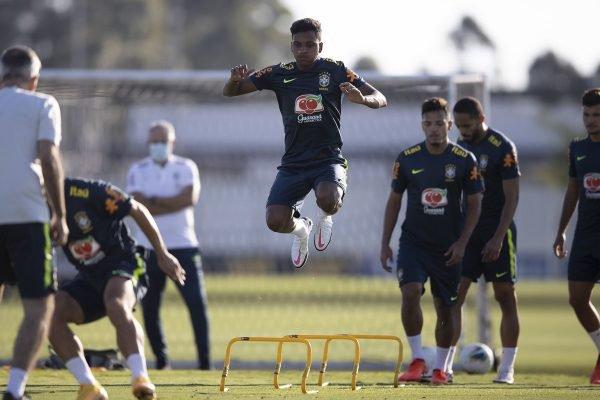 Rodrygo no treino da Seleção Brasileira