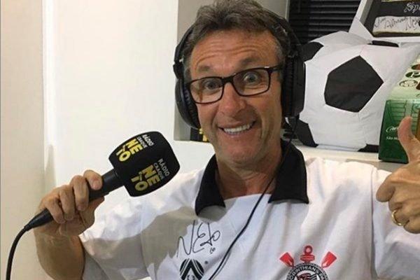 Neto com camisa do Corinthians