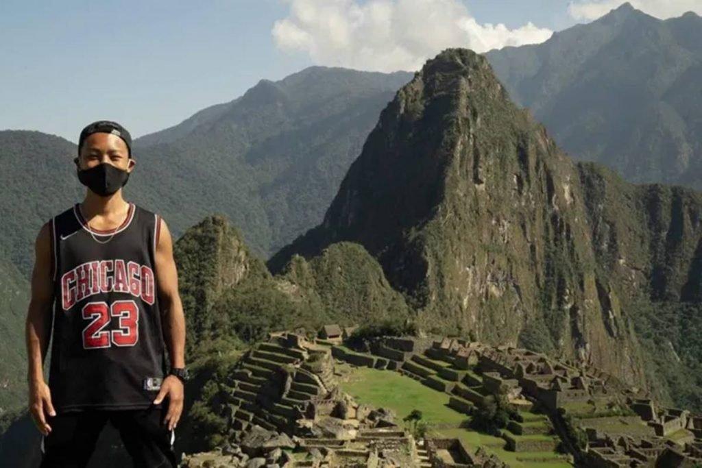 Machu Picchu reabre para único turista, que está preso no Peru há 7 meses