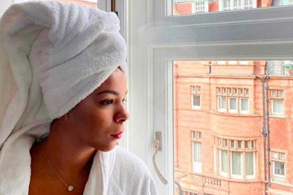 Belle Silva aprecia a vista em Londres