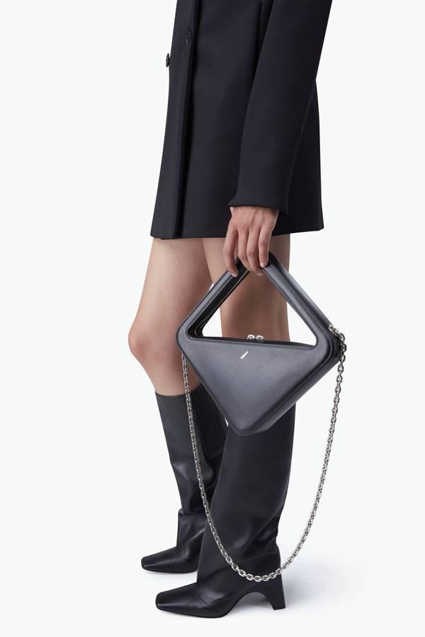 App Bag, da marca Coperni