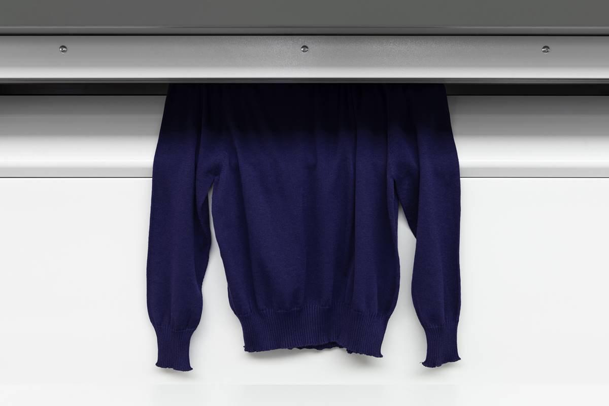 Suéter feito com a Tecnologia Looop