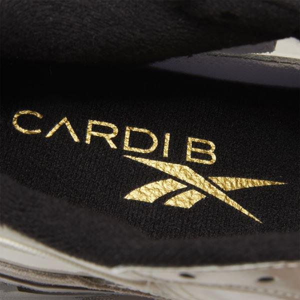 Tênis criado por Cardi B