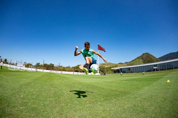 Michael em treino do Flamengo