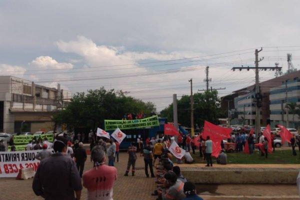 Protesto contra a privatização da CEB
