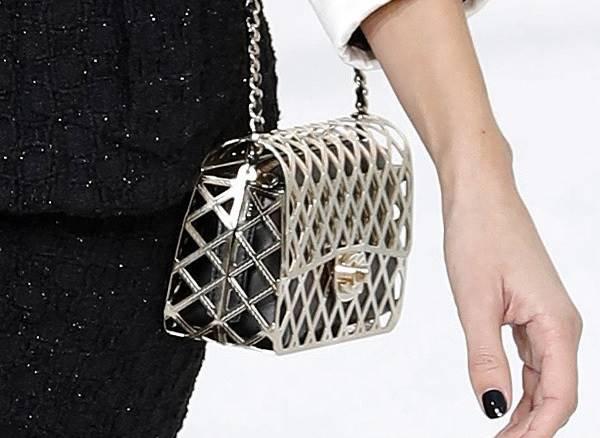 Chanel - bolsa estilo gaiola