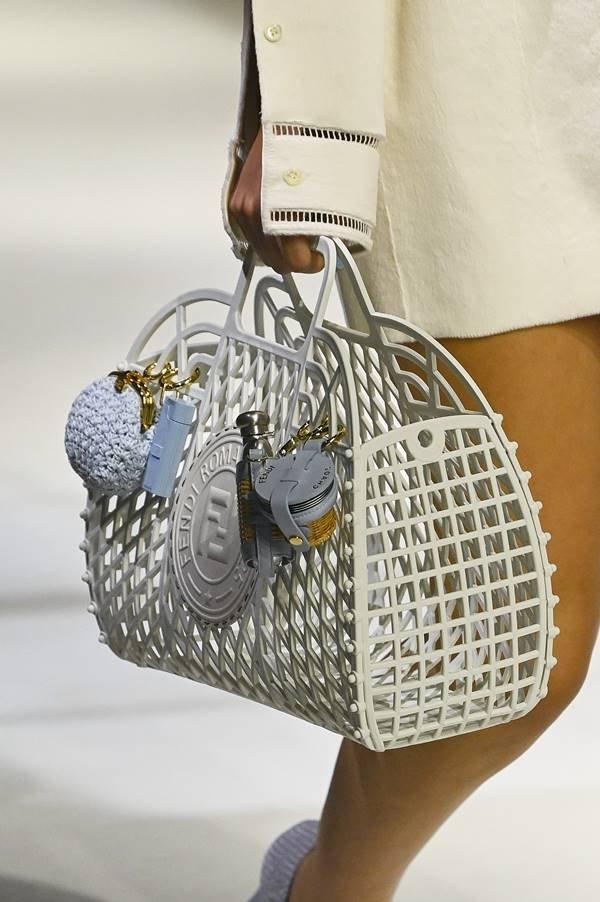 Fendi - bolsa estilo gaiola
