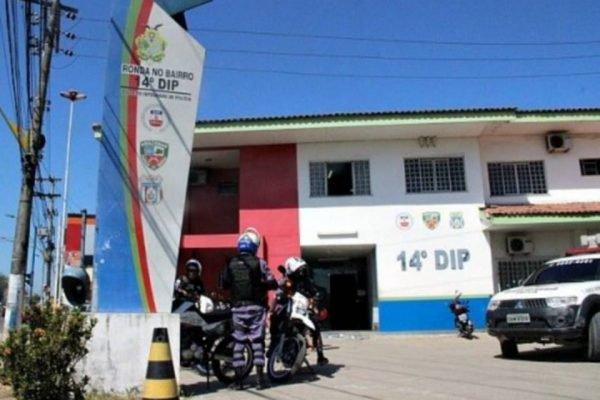 Feto foi achado em banheiro masculino de delegacia em Manaus