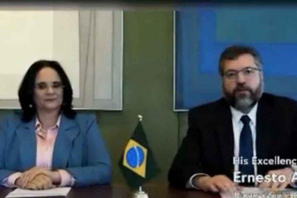 Damares Alves e Ernesto Araújo durante a cerimônia da Declaração de Genebra