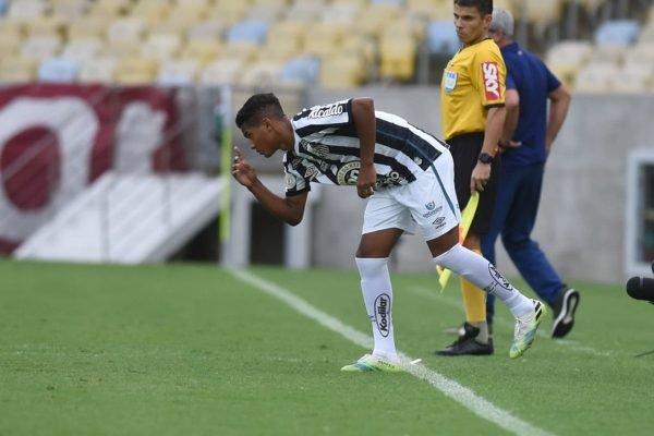 Ângelo estreia pelo Santos