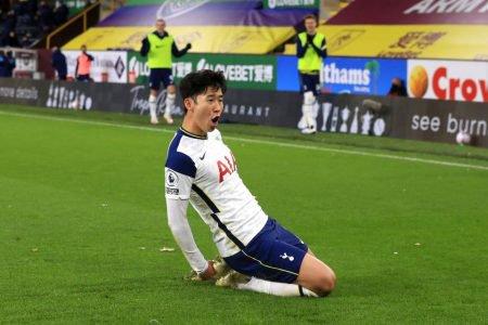 Tottenham vence na Premier League