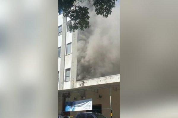 Incêndio atinge hospital federal na zona norte do Rio de Janeiro