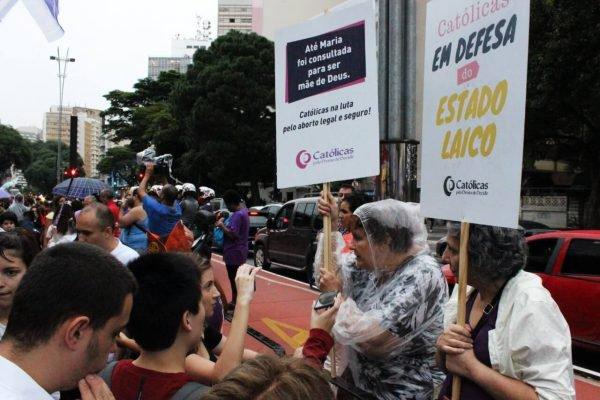 Justiça proíbe organização feminista de usar católicas no nome